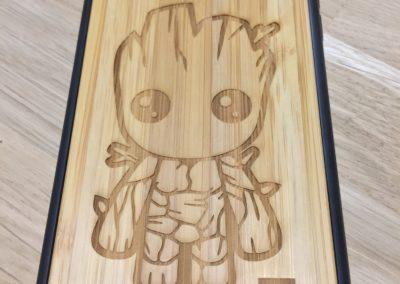 gravure personnalisés sur coque en bois